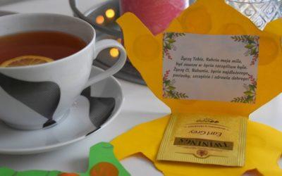 Prezent zokazji Dnia Babci- herbatka iżyczenia