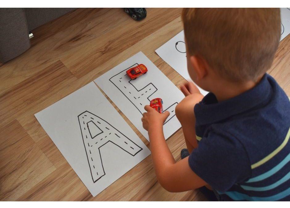 Nauka liter icyfr – odjazdowa zabawa edukacyjna