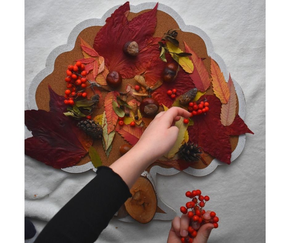 jesienne zabawy drzewo pomysły dla dzieci