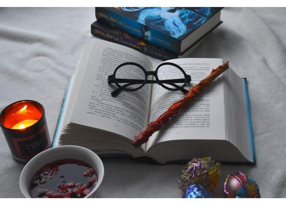 Urodziny wstylu Harry Potter- pomysły nazabawy